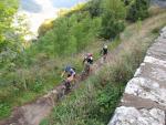 Hinten Les Camélias: Chemin de Melchi Rose