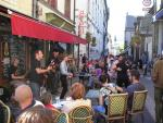 Afternoon concert at Café Le Petit Paris in summertime